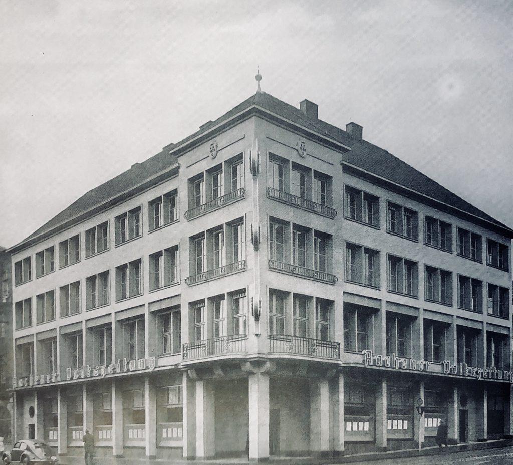 1947: Kauf des Grundstücks Theaterstraße 70-74 und Horngasse 1-1a